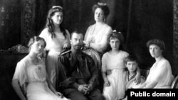 The Romanovs: Olga (left to right), Maria, Nicholas II, Aleksandra, Anastasia, Aleksei, and Tatiana. Pictured at Livadia Palace in 1913