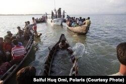 آرشیف، اقلیت مسلمان روهینگیا در حال فرار به بنگلهدیش