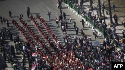Военный оркестр на площади Тахрир в Каире