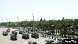 Azerbaijan -- A military parade to mark 93rd anniversary of Armed Forces, Baku, 26Jun2011