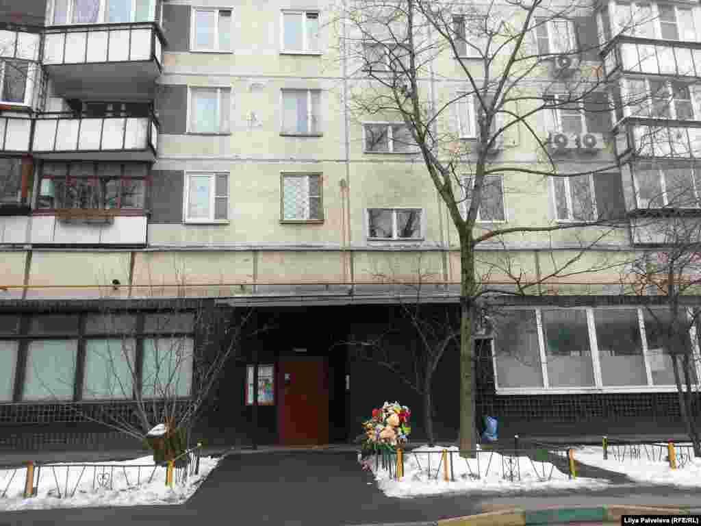 Дом на улице Народного ополчения, в котором снимали квартиру родители девочки