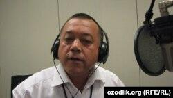 Основатель и главный редактор независимого интернет-издания «Дунё ўзбеклари» Исмат Хушев в Пражской студии радио «Озодлик».