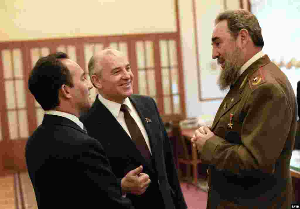 With Cuban President Fidel Castro in the Kremlin on March 2, 1986