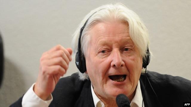 British investigative reporter Andrew Jennings