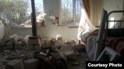 Aprel döyüşlərindən sonra sərhəd kəndlərindəki dağılmış evlərdən biri