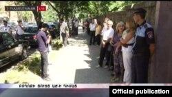 Ակցիան Ազգային ժողովի շենքի դիմաց, Երևան, 13-ը սեպտեմբերի, 2016թ․