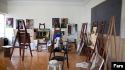 به باور هنرمندان این تغییرات در آینده نزدیک باعث افول و اضمحلال این کانون هنری درخشان خواهد شد