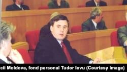 Ион Стурза возглавлял кабинет министров с марта по ноябрь 1999 года