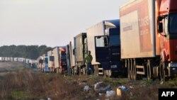 Крым жарым аралына кире албай турган фуралар. Украина, 20-сентябрь, 2015-жыл