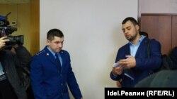 Иван Климов (справа)