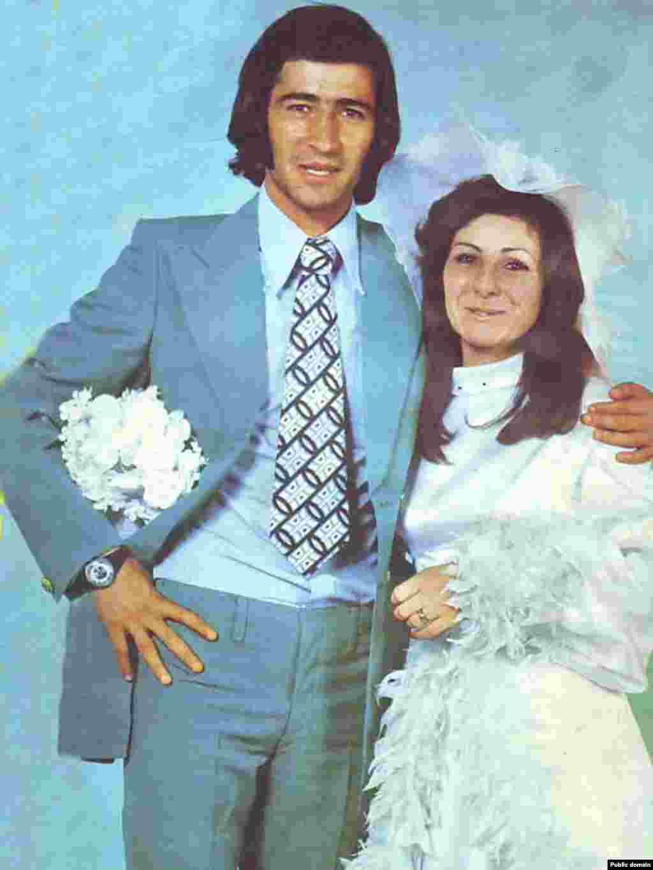 ناصر حجازی و همسرش