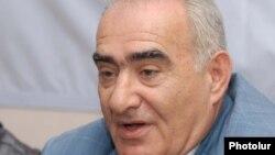 Галуст Саакян (фракция правящей Республиканской партии)