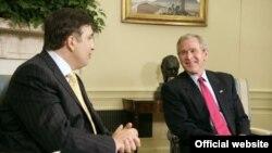 По мнению наблюдателей, Джордж Буш был вынужден разменять Грузию на поддержку Россией американской позиции по КНДР