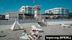 Пляж Солдатский в Севастополе: отдых на стройке (фотогалерея)
