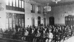 قسمت پانزدهم برنامه «فرقه» از کیوان حسینی - آذربایجان «خودمختار» شد و پیشهوری، نخستوزیر