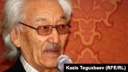 Ғаббас Қабышұлы, жазушы. Janaozen.net порталының ашылу рәсімінде. Алматы, 13 наурыз 2012 жыл