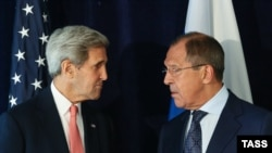 U.S. -- US Secretary of State John Kerry (L) and Russia's Foreign Minister Sergei Lavrov at a meeting on the sidelines of the United Nations General Assembly, New York, September 27, 2015