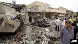 در انفجار شهر کوفه یک رستوران دو طبقه هدف حمله قرار گرفت.