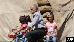 Սիրիայում հրադադար է․ Քամիշլի քաղաքում տղամարդը հեծանիվով տեղափոխում է երեք աղջիկներին, 13-ը սեպտեմբերի, 2016թ․