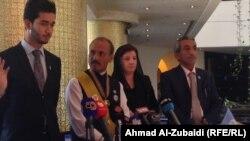 رئيس المفوضية الدولية لحقوق الإنسان محمد شاهد أمين خان (الثاني من اليسار) في مؤتمر صحفي ببغداد