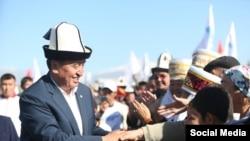 Кандидат в президенты Сооронбай Жээнбеков во время встречи с избирателями