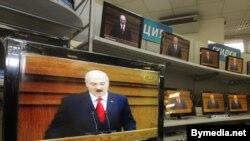 На российских каналах Лукашенко выглядит по-другому