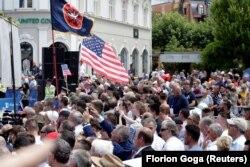 Митинг в Приштине по случаю 20-летия размещения в Косове войск НАТО