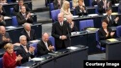 Գերմանիա - Նորբերթ Լամերթը ելույթ է ունենում Բունդեսթագում, արխիվ
