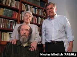 Александр Солженицын, его супруга Наталья и Николя Милетич