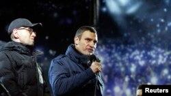Vitaly Klitschko, Oleh Tyahnybok və Arseniy Yatsenyuk
