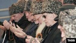 14 декабря по инициативе Совета тейпов Ингушетии в Магасе была проведена коллективная заупокойная молитва по убитым молодым людям