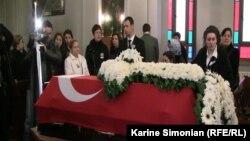 Թուրքիա - Սեւակ Շահին Բալիքչիի հոգեհանգստյան արարողությունը, Ստամբուլ, 27-ը ապրիլի, 2011թ.