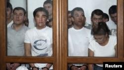 """Подсудимые по делу """"о беспорядках в Жанаозене"""" в суде. Актау, 4 июня 2012 года."""