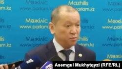 Еңбек және халықты әлеуметтік қорғау министрі Біржан Нұрымбетов. Нұр-Сұлтан, 30 қаңтар 2020 жыл.
