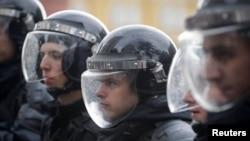 Полицейские на акции сторонников Алексея Навального в Москве, 7 октября 2017