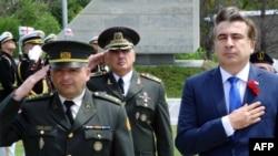 Президент Грузии Михаил Саакашвили (справа) редко соглашается с премьером по политическим вопросам