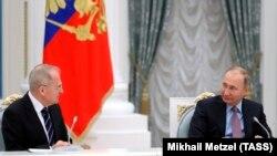 Голова Конституційного суду Росії Валерій Зорькін і президент Росії Володимир Путін