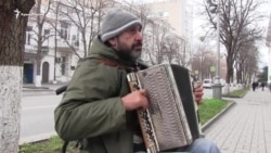 Украинская песня на улицах Севастополя (видео)