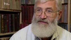 Український поет живе за кілька кілометрів від лінії фронту (відео)