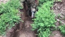 Щоб пересуватися, військові змінюють берці на гумові чоботи – Донеччину затопило