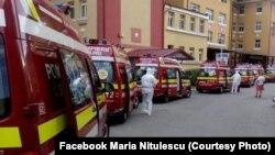 Ambulanțe în curtea Spitalului Matei Balș