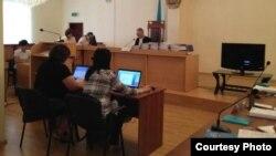 """В зале судебного заседания по """"делу оппозиции"""" в первый день слушаний 16 августа 2012 года."""