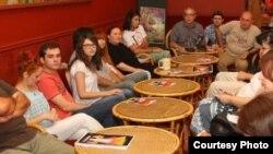 """Прес конференција за театарската претстава """"Могли"""" во Театарот за деца и младинци."""