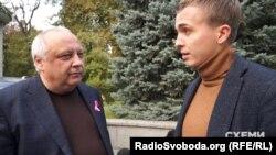 Голова депутатської фракції партії «Блок Петра Порошенка» Ігор Гринів запевняв, що готовий про все розповісти журналістам, проте все ж ухилявся від деяких запитань