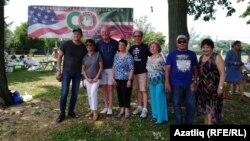 Нью-Йорк татарлары Майкл Фицпатрик белән (сулдан өченче)