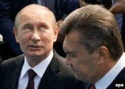 Владимир Путин и Виктор Янукович на праздновании Дня Крещения Руси в Киеве. 27 июля 2013 года