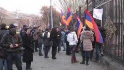 Yerevanda Rusiya əleyhinə aksiyalar gedir