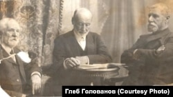 Купец Георгий Голованов (крайний справа)