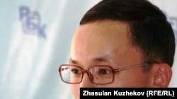 Махамбет Абжан, активист штаба по защите правозащитника Вадима Курамшина. Астана, 1 сентября 2010 года.