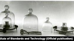 Вчені відмовились від матеріального еталону кілограму
